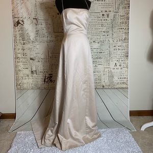 Vera Wang 10 Ivory Gold Champagne Wedding Dress